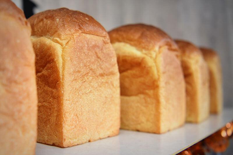 パンプラス 食パン